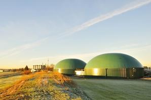 AdobeStock_60652033_Biogasanlage