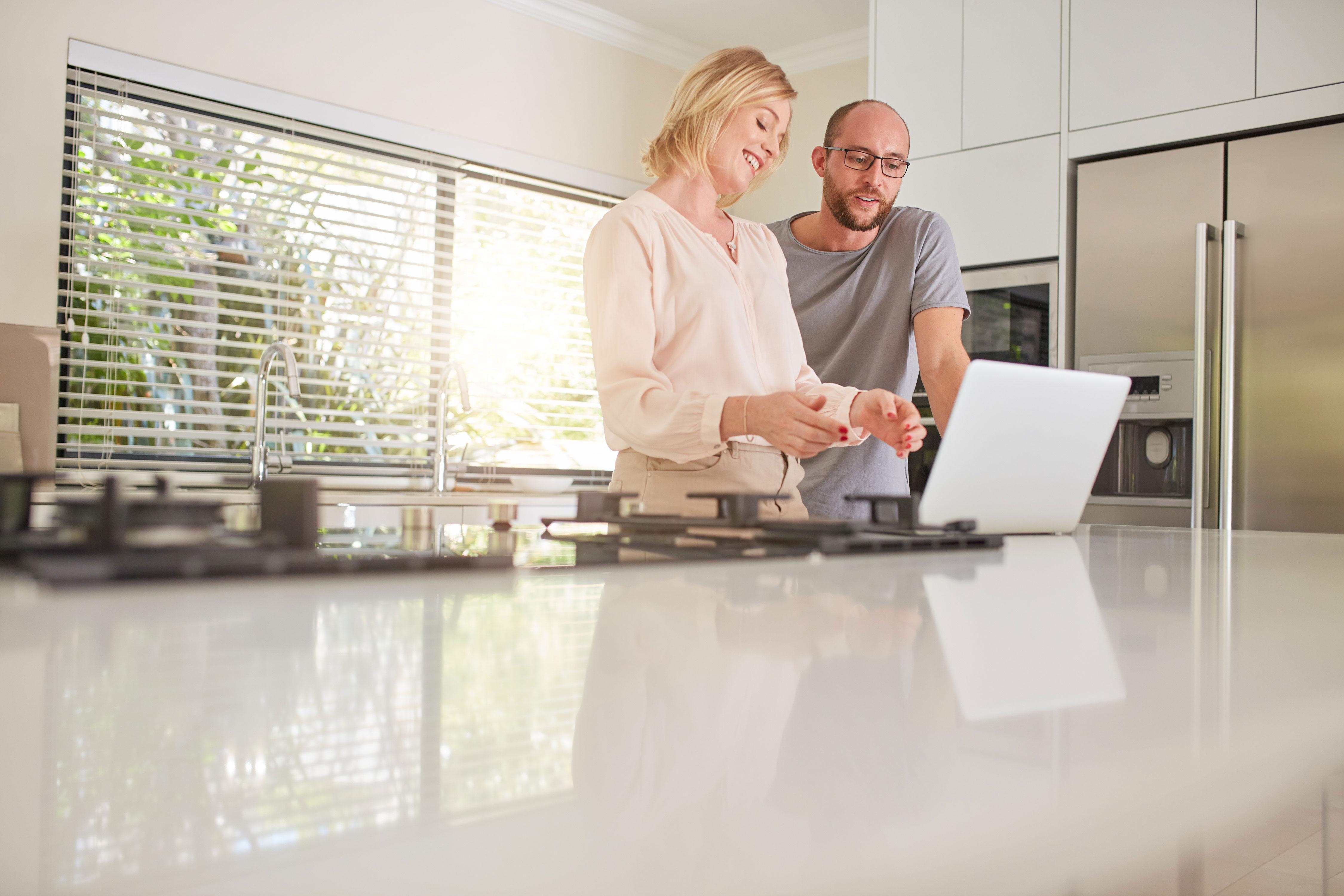 stromtarife 2019 vergleichen mit verivox bis zu 720 sparen. Black Bedroom Furniture Sets. Home Design Ideas