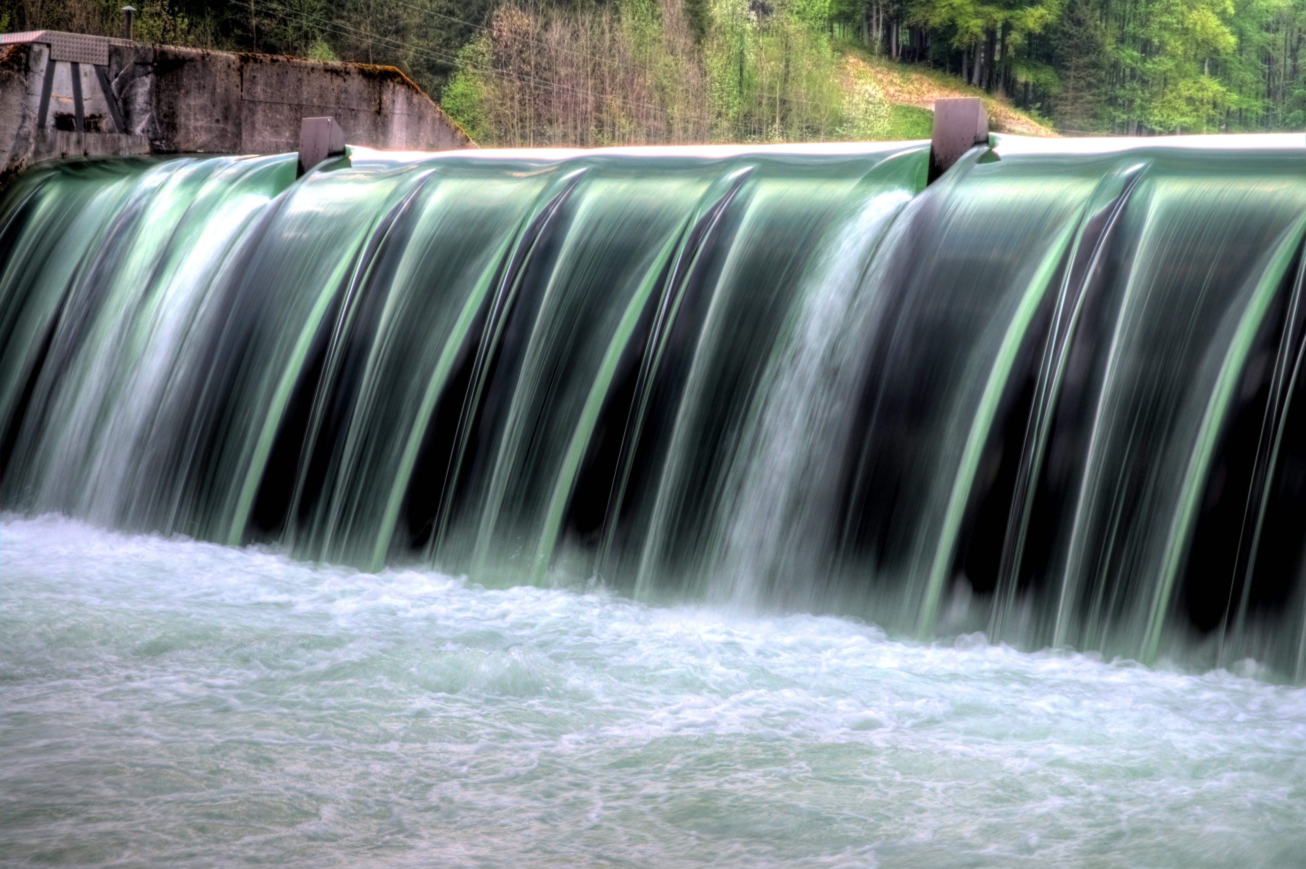 Wasserdamm